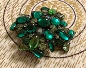Gorgeous Vintage Weiss Stamped Emerald Green and Rhinestone Brooch - 1950's