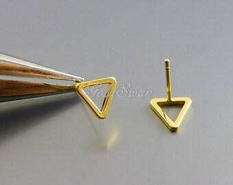 4 shiny gold tiny 8mm triangle shape stud earrings, gold geometric earrings, jewelry designs 1068-BG-8 (shiny gold)