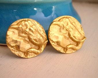 Vintage 1980's Gold Elephant Earrings / 80's Statement Earrings / Clip On Earrings / 80's Costume Jewelry