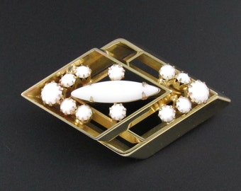 Milk Glass Brooch, White Brooch, Summer Brooch, Summer Jewelry, Gold Brooch