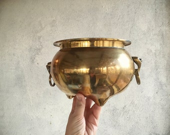 Vintage brass plant container footed cauldron with rings brass decor items