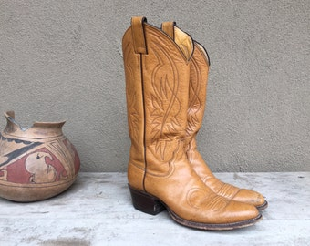 Vintage Justins Women Size 6 B (fits 6.5 to 7) caramel brown leather cowboy boot, cowgirl boot, festival boot, cowgirl outfit Western wear