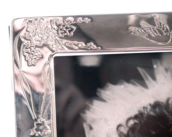 Wedding Photo Album, Holds 104 Photos, Silver Metal with Hearts and Doves, Velvet Lined