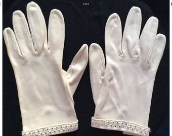 Vintage Ladies Gloves Ivory Theater Costume Gloves