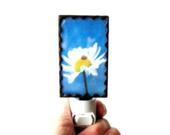Flower night light, stained glass night light, photo night light, daisy night light,hallway night light, plug in night light