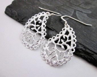 Twist Drop Earrings -- Paisley Earrings -- Raindrop Earrings -- Curled Earrings -- Silver Scallop Earrings -- Filigree Swirl Earrings