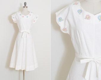 Vintage 40s Dress | 1940s smiling flower faces dress | novelty print | xs | 5878