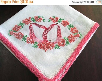 Vintage Linen Tablecloth Embroidered with Crochet Edging 2157