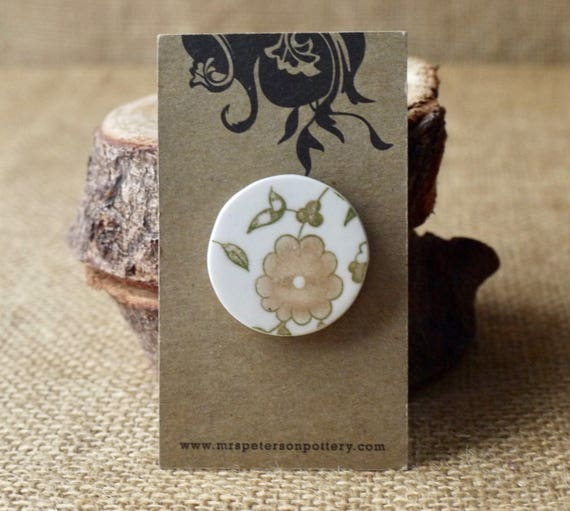 Small Green Vine, Porcelain Brooch, Mrs Peterson Pottery