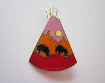 vintage enamel pin - enameled TEEPEE with buffalo pin - southwest enamel pin, tee pee pin