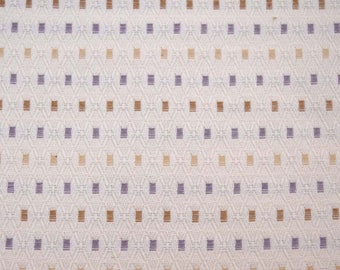 18751 White Purple Fabric