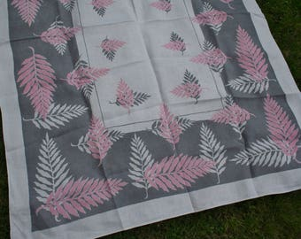 Vintage Printed Tablecloth Gray and Pink Palm Leaves with 2 Napkins