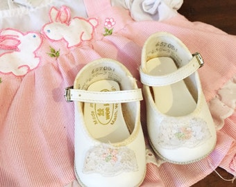 Vintage Baby Shoes Mary Janes Girl White Wee Kids Sz 0