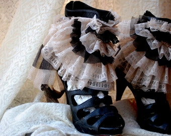 Spats, ruffle spats, victorian, burlesque, steampunk, black and cream, french vanilla, shabby chic, burlesque, budoire, shoe accessoires