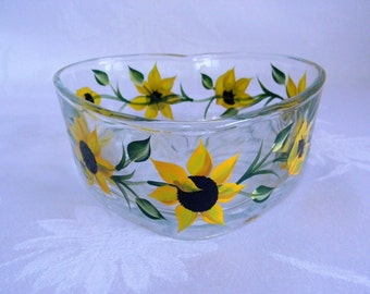 Heart shape dish, candy dish,sunflower dish, glass dish, hand painted candy dish, sunflowers, sunflower candy dish