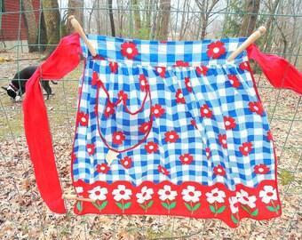 HALF APRON. 1950s. Half APRON. blue white check. red flower apron. Artistic Apron House. paper tag. cafe apron. 1950s apron. kitchen decor