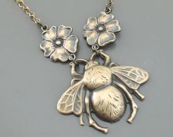 Vintage Necklace - Bee Necklace - Vintage Brass Necklace - Honey Bee Jewelry - Handmade Necklace