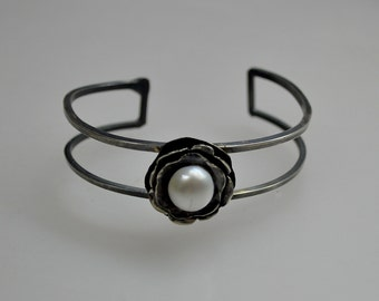Strappy Cuff with a Pearl