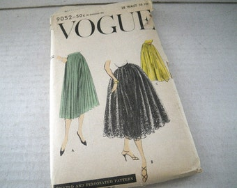 1956 Vogue 9052 Long Skirt Pattern Waist 28 - Hip 38 Gathered or Pleated Style