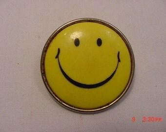 Vintage Smiley Face Brooch   17 - 113