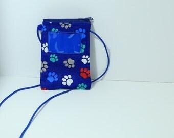 Chris crossbody smartphone ID wallet purse in Blue Pawprints