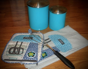 Applique Kitchen potholder and towel set, Matching mix towel and potholder, Gift set