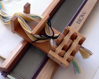 Saori Cross Holder