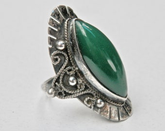 Mexican Silver Ring Green Jade Ring Taxco Silver 1930s 1940s Taxco Mexico Size 6 Ring Vintage Mexican Antique Silver Jewelry