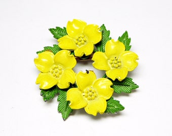 Yellow Dogwood Flowers Brooch - A wreath of Yellow Enamel Flowers  & Green Leaves - Mid Century 1950s 1960s Vintage Pin - Garden Flower Pin