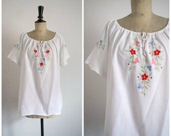 Vintage 70s/80s Embroidered White Cotton Top / Large Size
