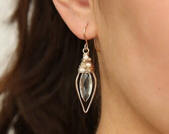 Bridal Earrings - Alternative Bridal - Unique Wedding Earrings - Crystal - Pearl