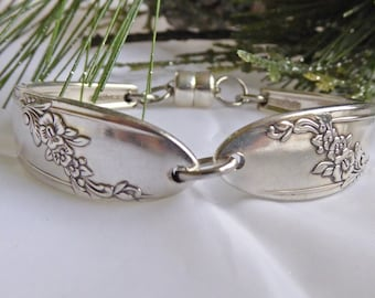 Queen Bess 1946, spoon bracelet, silverware jewelry, Mother's day, ready to ship free shipping and gift box