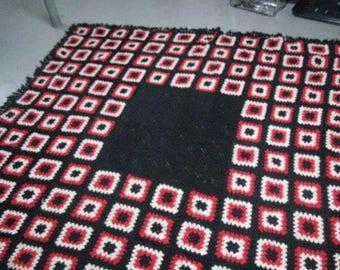 Vintage 1970's Handmade Bedspread Granny Squares Red/Ecru/Black-103x121