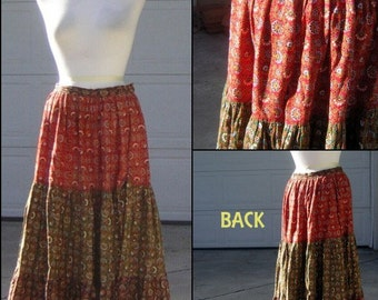 """Vintage 70s Maxi Skirt - CALICO Full Prairie Farm Style Tiered Black Green Red - WAIST 28"""" CLEARANCE"""