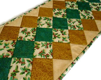 Elegant Quilted Christmas Table Runner, Quilted Table Runner in Gold and Green, Winter Christmas Quilted Table Topper, Holly Berries
