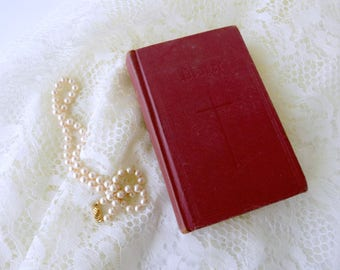 1945 The Book of Common Prayer and Administration of the Sacraments and Other Rites and Ceremonies of the Church. Vintage Book for Bride.