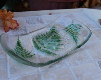 Fused glass soap dish, soap dish, fused glass, soap dish with fern leaves, clear fused glass soap dish with green fern leaves,