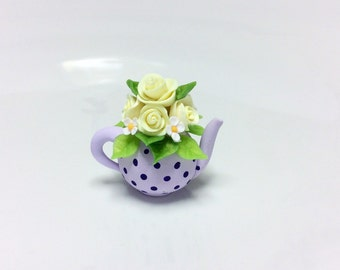 Dollhouse teapot with yellow rose bouquet in 1:12 scale made from polymer clay