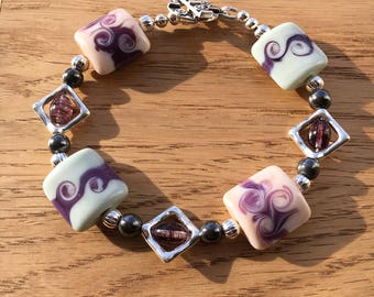 Crocus - handmade Lampwork Bead Bracelet