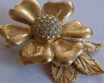 Rare collectible signed CINER crystal and golden flower floral brooch, retro jewelry