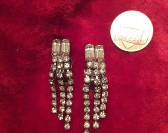 Clear rhinestone clip on earrings Crystal bling 70s no flaws elegant