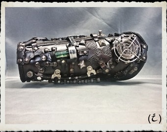 Post apocalyptic leather bracer - Wasteland - Explorer