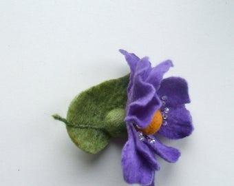Felt Brooch  - Flowers Brooch - Felted Flower Brooch - Purple flower brooch - Wool brooch