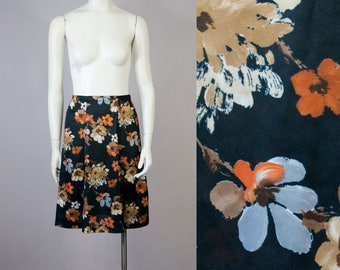 70s Vintage Black Floral Print High-Waisted Flare Skirt (XS, S)