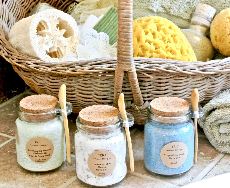 5 Glass Jars With Wood Spoon Bath Salt Spices Seasonings