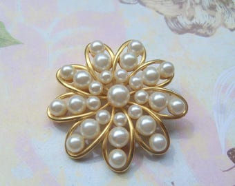 Vintage Faux Pearl and Gold Tone Flower Marvella Pin Brooch