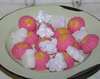 New~ VANILLA BEAN Scented Or You Choose Scent Primitive Easter Bunnies & Pink Flowers Spring Decor Wax Tarts Melts Fillers