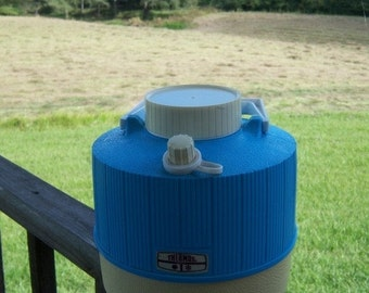 Vintage Turquoise Thermos One Gallon Tailgate
