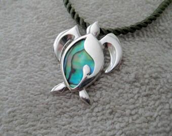 "Sterling silver ""Kai Honu"" turtle pendant"