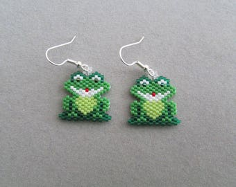 Adorable Beaded Froggie Earrings